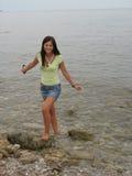 Menina no mar Fotografia de Stock Royalty Free