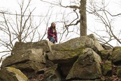 Menina no monte grande Blanik foto de stock