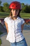 Menina no parque do patim Imagens de Stock
