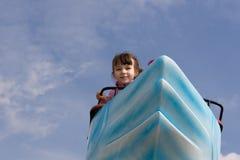 Menina no passeio da cisne Fotografia de Stock