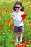 Menina bonita no prado foto de stock