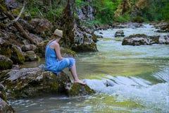 A menina no rio Imagem de Stock Royalty Free