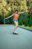 Menina no skate Fotografia de Stock