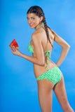 Menina no swimsuit com melancia Fotos de Stock