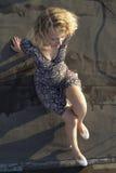 Menina no telhado Fotos de Stock Royalty Free