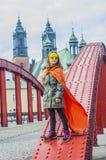Menina no traje do super-herói fotografia de stock royalty free