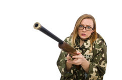 A menina no uniforme militar que mantém a arma isolada no branco Foto de Stock