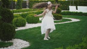 Menina no vestido branco filme