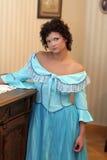 Menina no vestido extravagante fotos de stock royalty free