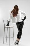 Menina no vestuário de brilho, vista traseira Fotos de Stock