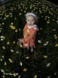 Menina nos daffodils no.3 Fotos de Stock