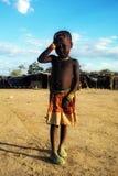 Menina nova de Himba no mercado em Opuwo, Namíbia Imagem de Stock