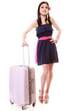 Menina nova do verão com a mala de viagem do curso isolada Foto de Stock Royalty Free