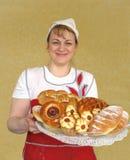 Menina o pasteleiro com grupo. Imagem de Stock Royalty Free