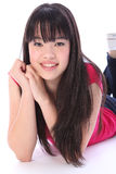 Menina oriental bonita do estudante do adolescente do retrato imagem de stock royalty free