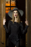 Menina ou mulher bonita no chapéu imagens de stock