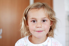 Menina pequena bonita fotografia de stock royalty free