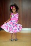 Menina pequena do african-american que modela na pista de decolagem Imagem de Stock Royalty Free
