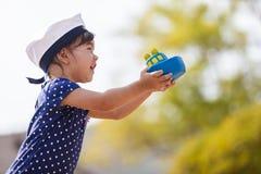 Menina pequena do marinheiro Fotografia de Stock