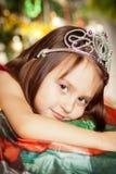 A menina pequena feliz tem um Natal Imagens de Stock
