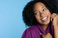 Menina preta de sorriso foto de stock
