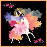 Menina preto-de cabelo bonita com o fã no formulário da flor e do xaile na forma do pássaro de voo, galope no unicórnio ilustração royalty free