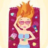A menina principal do verão do gengibre toma sol na praia ilustração do vetor