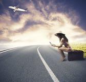 Menina pronta para viajar Imagens de Stock
