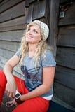 Menina que alista à música Imagem de Stock Royalty Free
