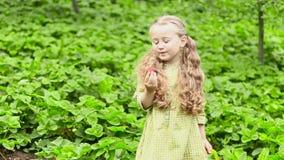 Menina que come morangos filme