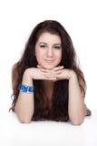 Menina que encontra-se no branco fotos de stock royalty free