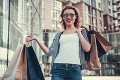 Menina que faz a compra Foto de Stock