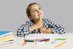 Menina que faz desenhos Fotografia de Stock