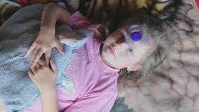 Menina que joga com girador filme