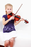 Menina que joga o violino foto de stock royalty free