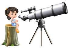 Menina que olha através do telescópio Imagem de Stock Royalty Free