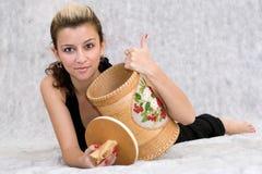 Menina que prende um tambor Imagem de Stock Royalty Free