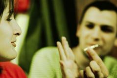 Menina que recusa o cigarro Fotos de Stock