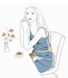 Menina que senta-se em um café Ilustração do Vetor