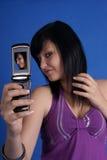 Menina que toma o auto levantamento do retrato Foto de Stock Royalty Free