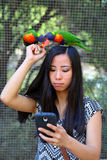 Menina que toma o selfie Fotografia de Stock Royalty Free