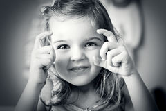 Menina que toma um retrato Fotos de Stock