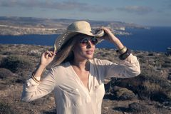 Menina que veste um chapéu Imagem de Stock
