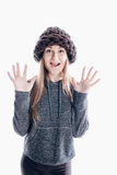 Menina que veste um chapéu grosso imagem de stock