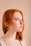 Menina red-haired nova no perfil Foto de Stock Royalty Free