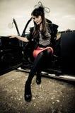 Menina retro e carro do estilo Imagens de Stock Royalty Free