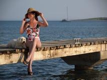 Menina retro na praia Fotos de Stock