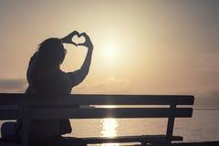 Menina romântica no nascer do sol Foto de Stock