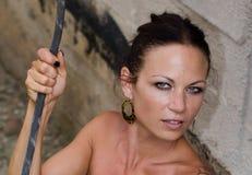Menina selvagem que guarda a corda Fotos de Stock Royalty Free
