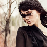 Menina sensual nas madeiras Fotos de Stock Royalty Free